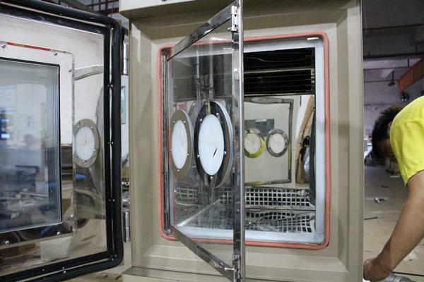 客户为什么要求恒温恒湿博鱼官网加装玻璃门?